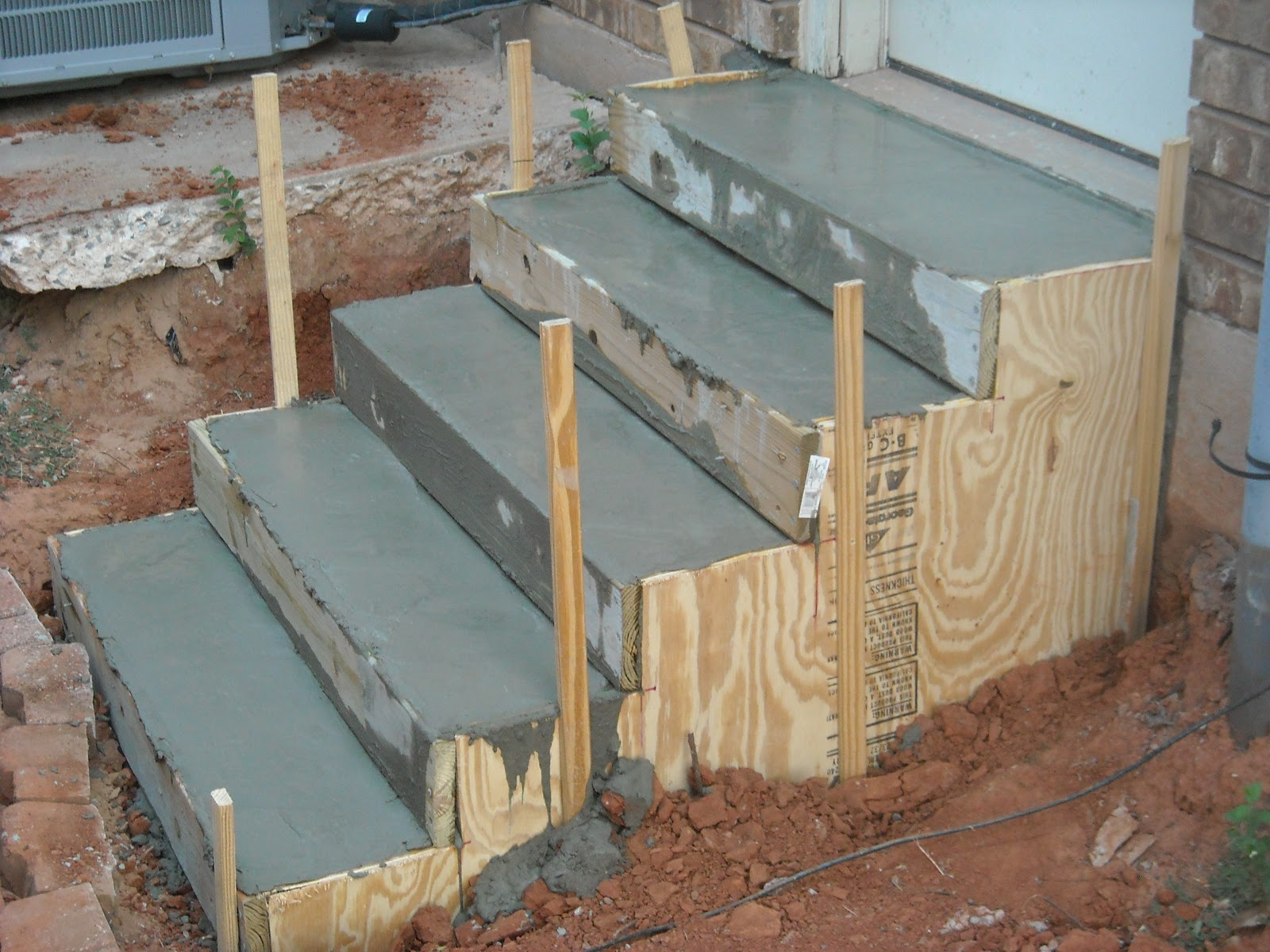 how to form concrete stairs