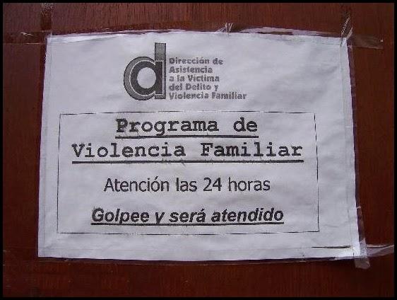Cartel del programa contra la violencia familiar.