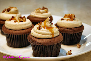 THE Snickers Cupcake