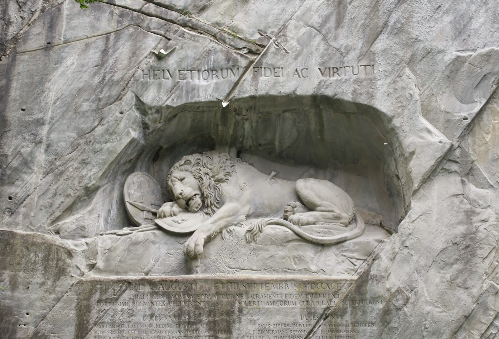 Lion monument lucerne timings