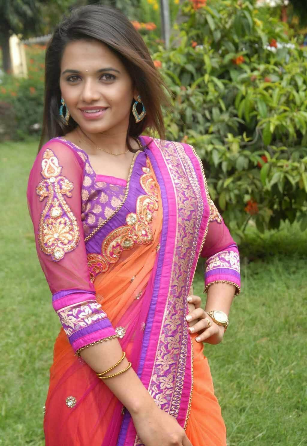 Bollywood, Tollywood, handsome, exotic, hot sexy Exotic Pavithra gowda photos looking gorgeous in ethnic saree collection, image gallery