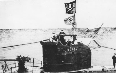 WW2 Battle of Atlantic - Polish Submarine Sokol with flags