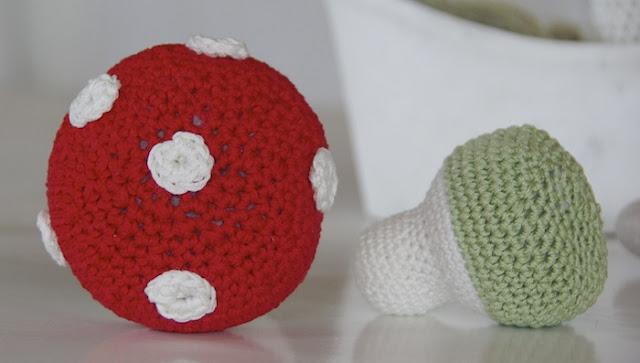 crochet amanita, virkatut kärpässienet, virkattu kärpässieni, virkade flugsvamp