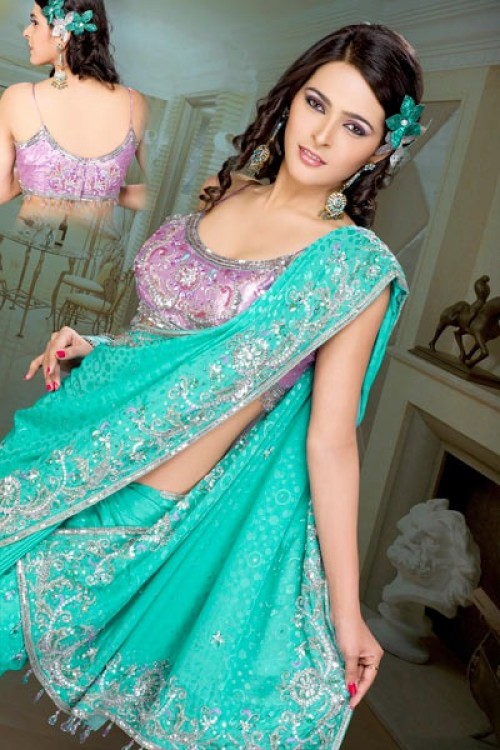 clothes girls, dress up girls, fashion dress, fashion dresses, girls dress, girls fashion, girls wear, Indian Sarees, Pakistani Fashion Weeks, Wedding Sarees