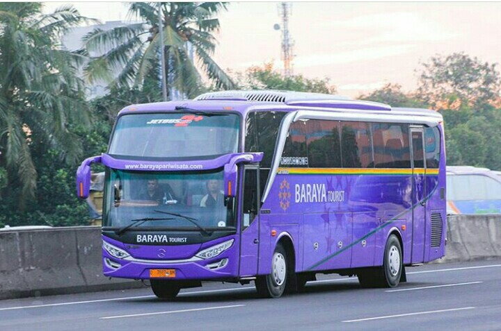 Sewa Bus Pariwisata Baraya Tourist - 081.80.942.1526