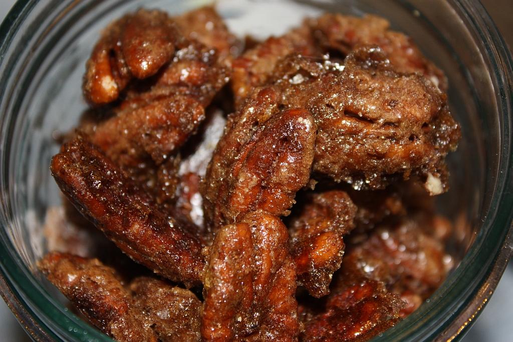 ... Cookie (or Treat!) Countdown Week 2: Brown Sugared Cinnamon Pecans