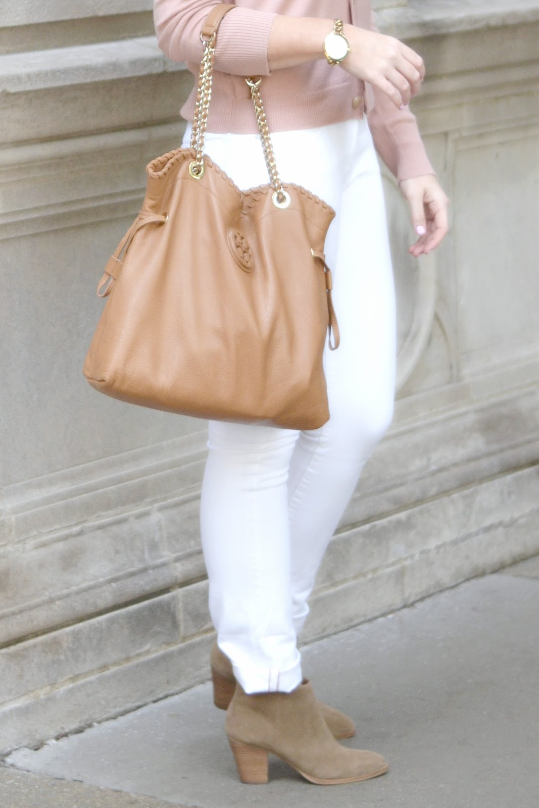 white-jeans-and-booties