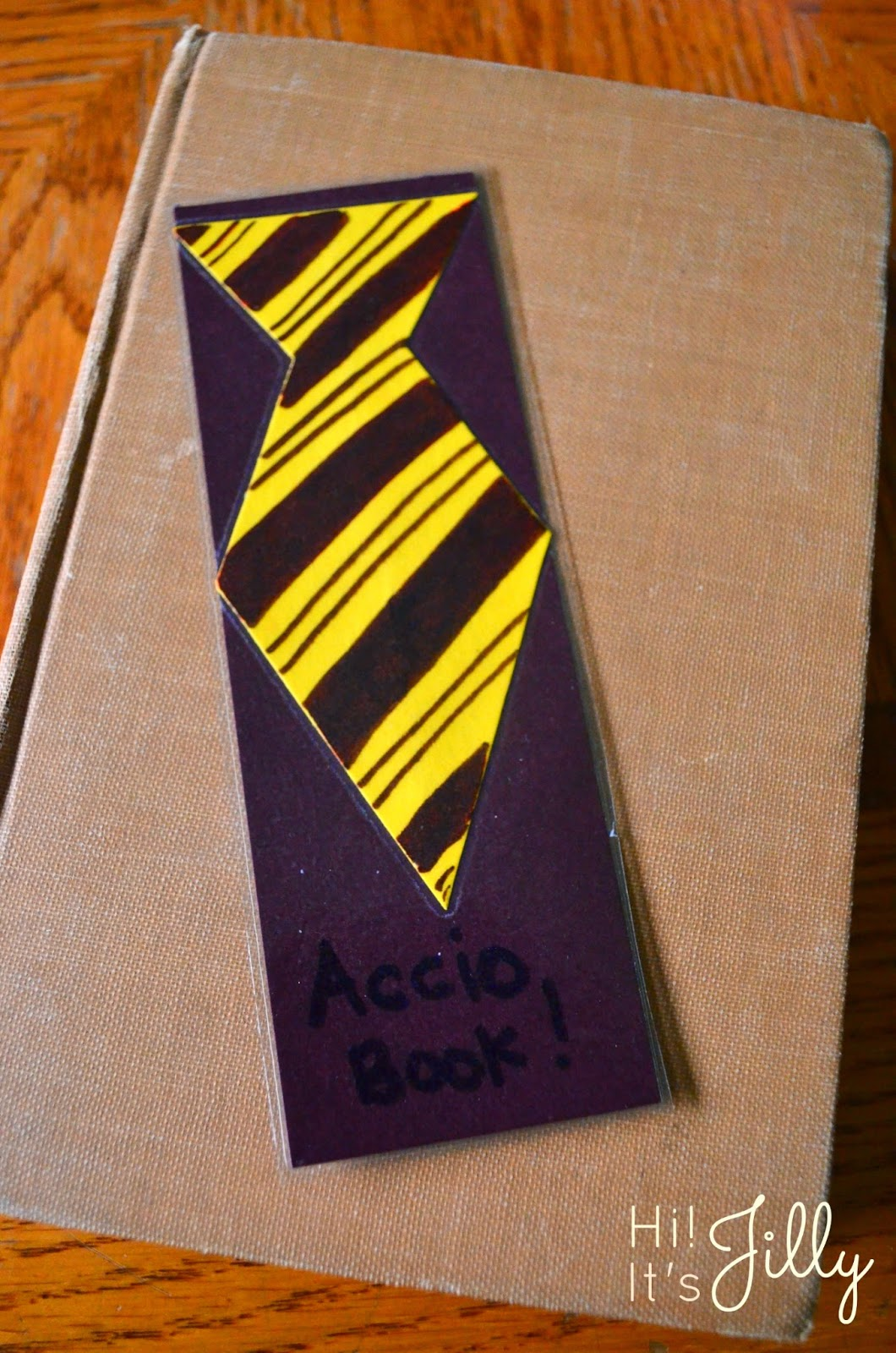Father's Day Tie Bookmarks. So quick and easy! #fathersday #kidscraft #bookmark