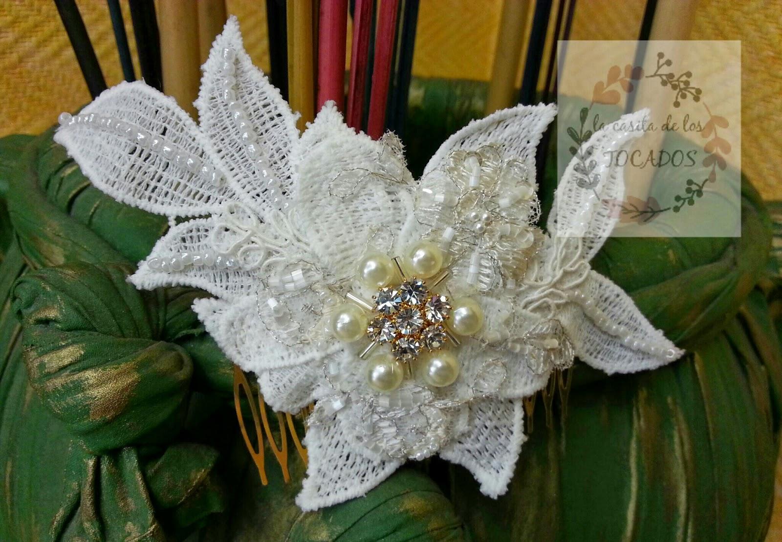 tocado para novia de guipur bordado con perlas y pedrería