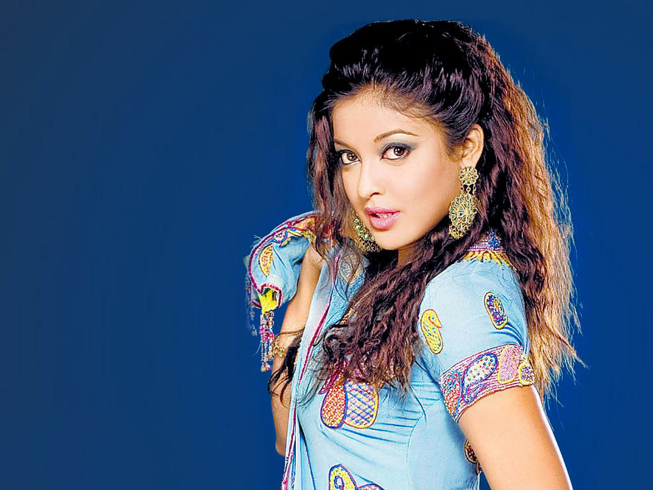 Actresses Hd Wallpapers Tanushree Dutta Hd Wallpapers