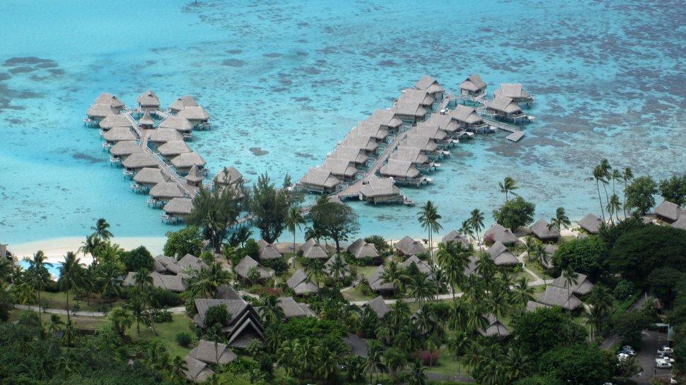 Hotel Sofitel Ia Ora  - Vue plongeante - Plage et bungalows sur pilotis