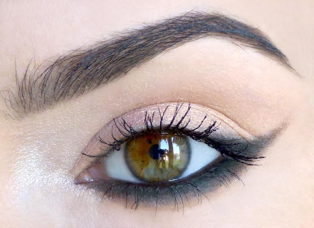 Apricot - makijaż mineralny dla oczu niebieskich i zielonych