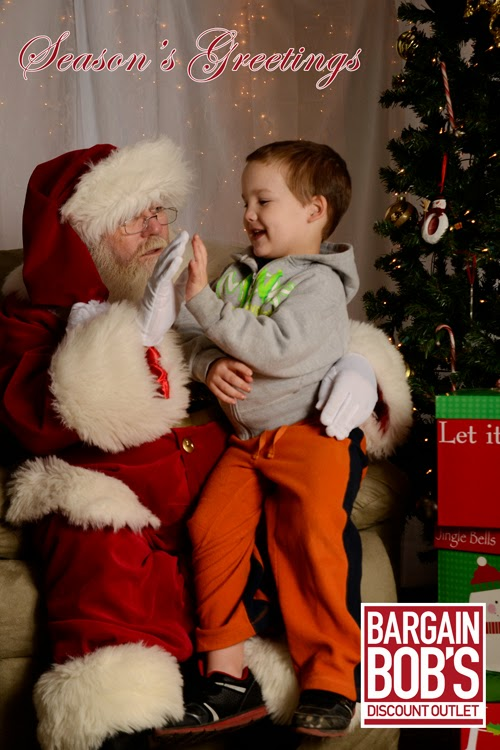 Santa Photos at Bargain Bob's - Madison Al