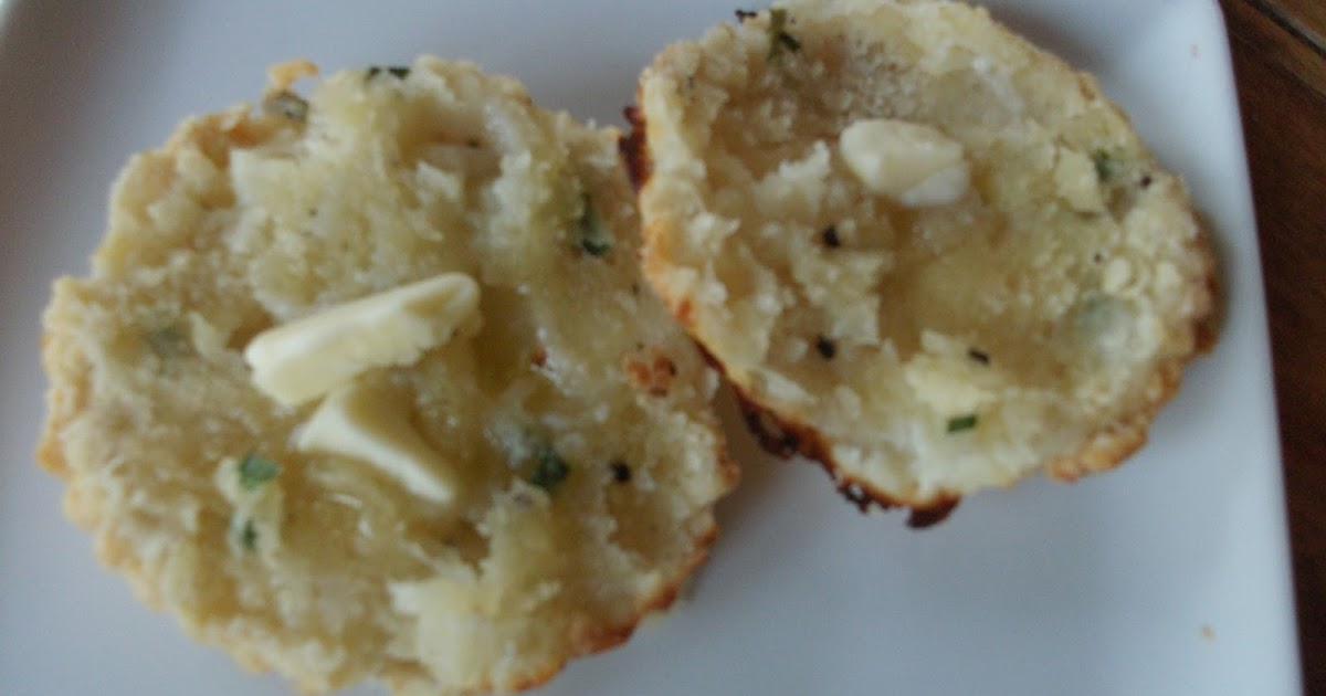 Cold Hands Warm Earth: Goat's Cheese and Chive Biscuits