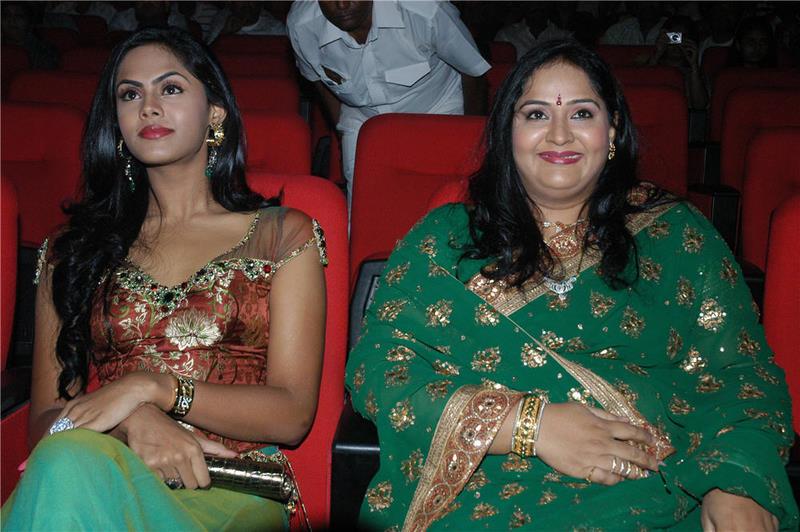 Wallpaper Ficea Karthika Actress Photos