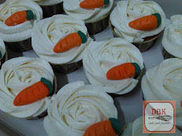 Cupcakes Carrot Walnut with Cream Cheese