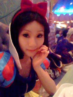 Disney Snow White Cosplay by Koyuki 5