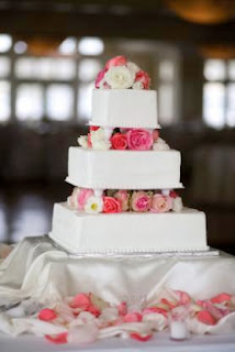 square wedding cake,square wedding cakes,square wedding cake pictures,square wedding cake stands,wedding cakes