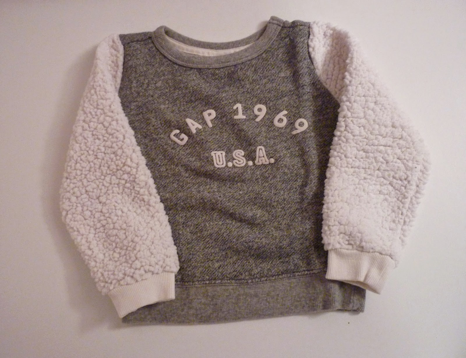 Pull manches mouton chez baby GAP