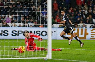 Hat-trick Mahrez Bawa Leicester ke Puncak Klasemen