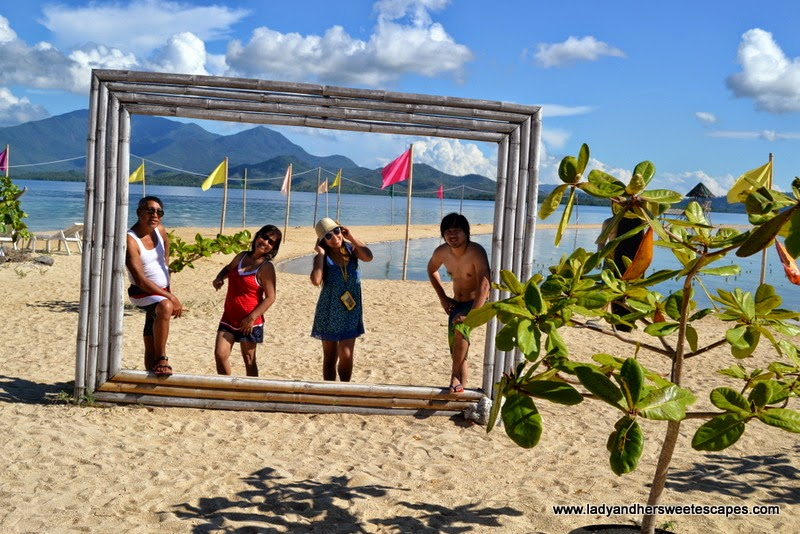 souvenir photo at Starfish Island Palawan