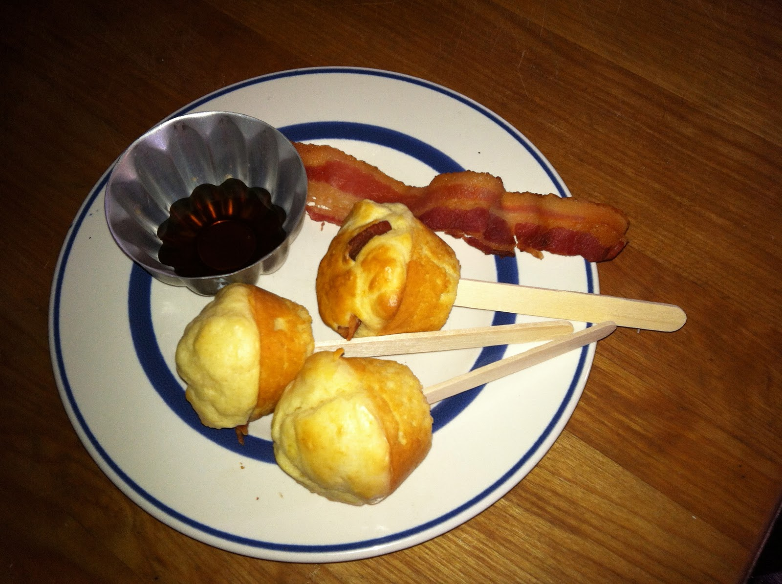 ... Cooking with Barry & Meta: Pancake-Bacon Muffins on a Stick