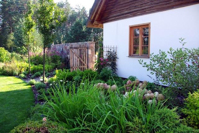 Pracownia Sztuki Ogrodowej, projektowanie ogrodów, Agnieszka Hubeny-Żukowska, Maja w Ogrodzie
