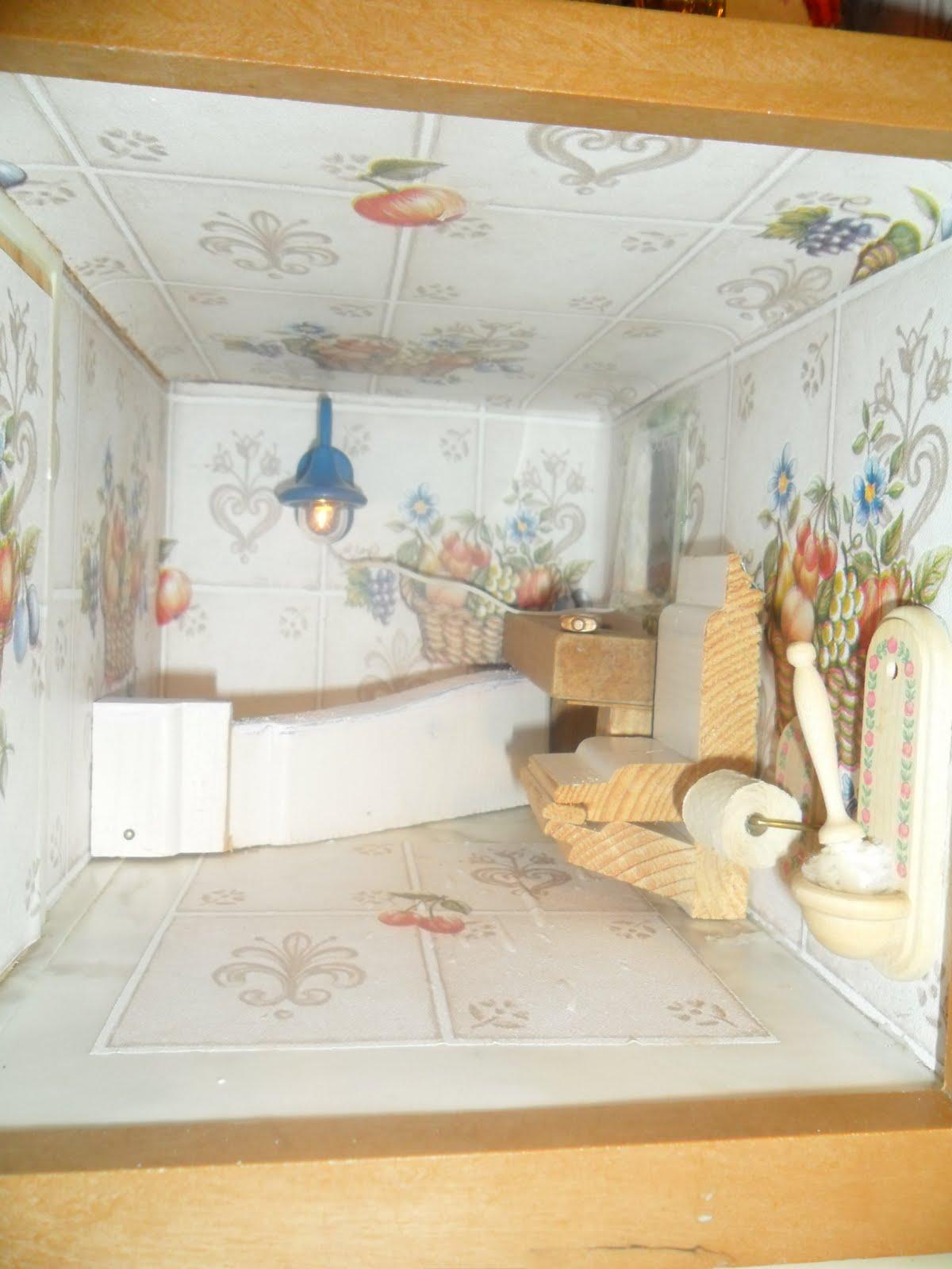 im Kinderzimmer: 4) Puppenhaus-Möbel selber gemacht