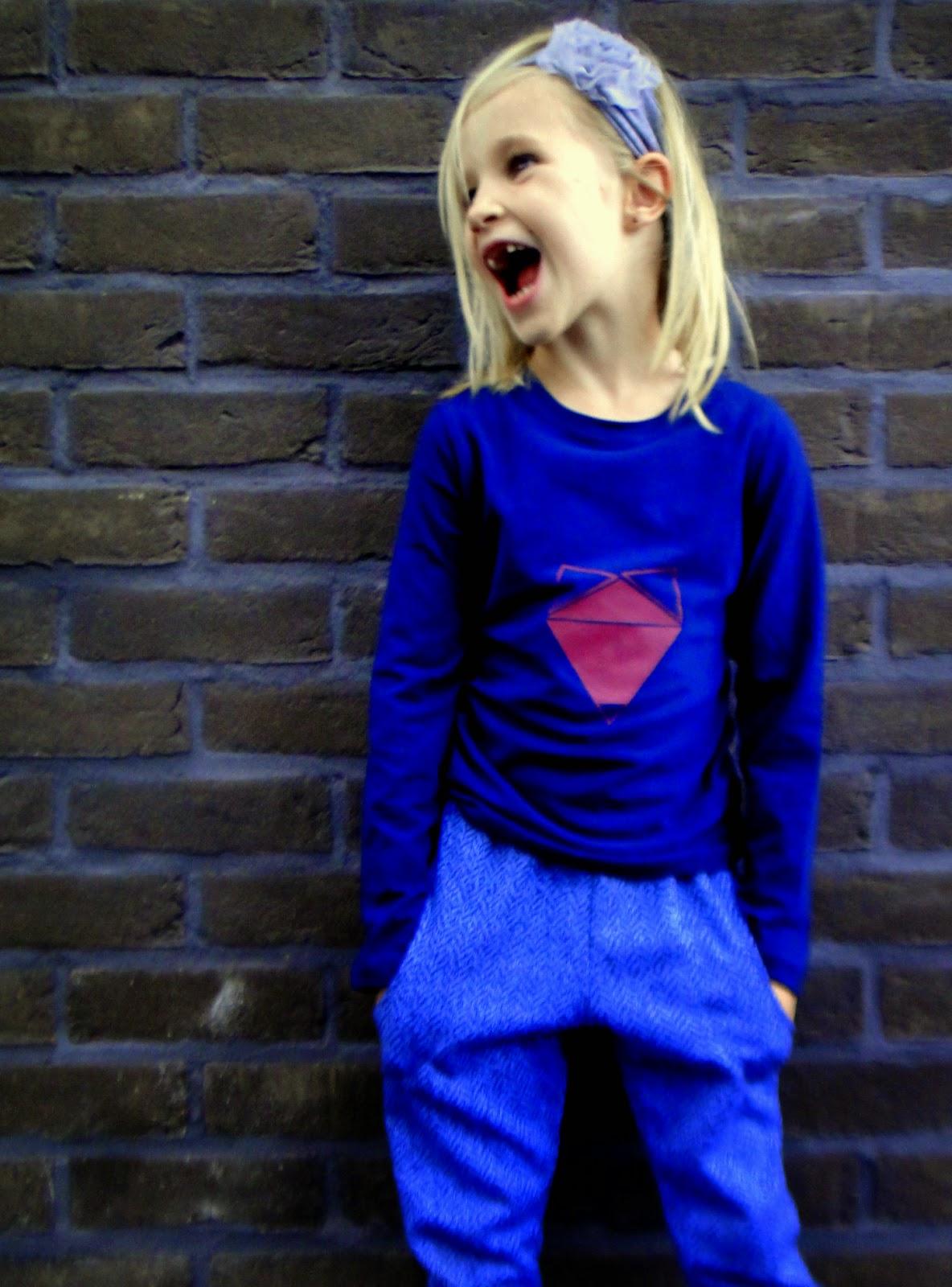 tricot broek meisje en shirt met textielverf