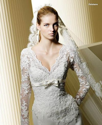 various styles of vintage long sleeve wedding dresses that are going