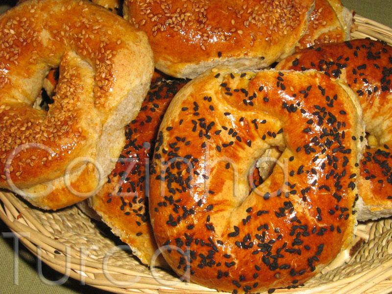 Roscas de Sésamo e Mahleb (Açma)
