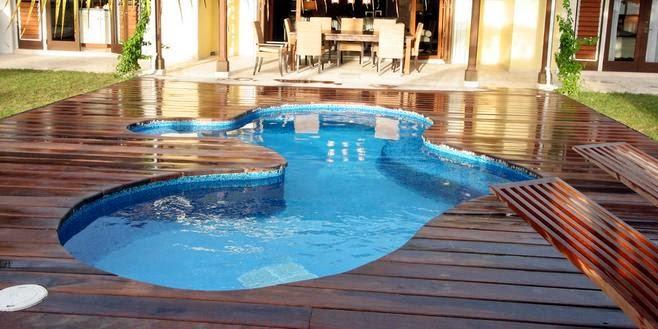 Fotos de piscinas piscina de casas con planos for Planos de piscinas temperadas