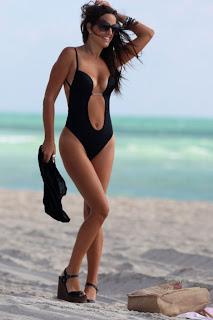 Claudia Romani Thong ing Suit 005