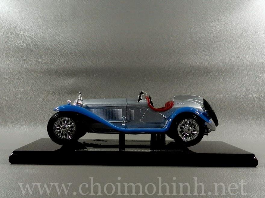 Alfa Romeo 8C Spider Touring 1932 1:18 bBurago side