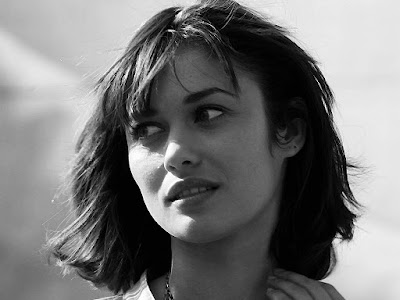 Olga Kurylen Black and White Wallpaper