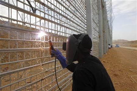 خطط اسرائيل للتخلص من الانفاق-سياج سيناء العازل-مدونة كنوز