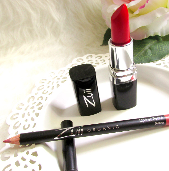 Zuii Organic Flora Longlasting Lipstick in Coral Red 204 - 4g - 19.94 Euro Flora Lipliner Pencil in Sienna 200 - 1.2g - 12.95 Euro