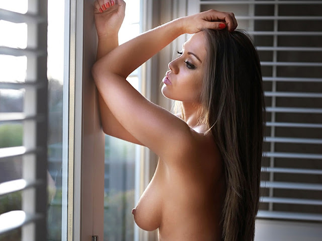Emma Frain – Nuts Magazine Topless Photoshoot