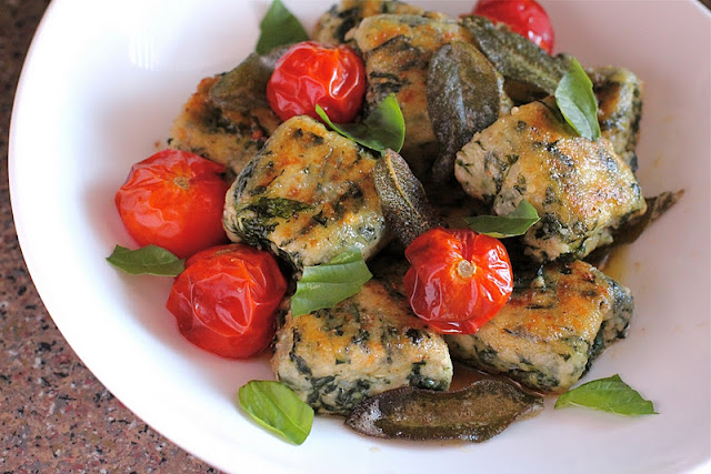 Spinach and Ricotta Gnocchi with Brown Butter Sage Sauce and Roasted ...