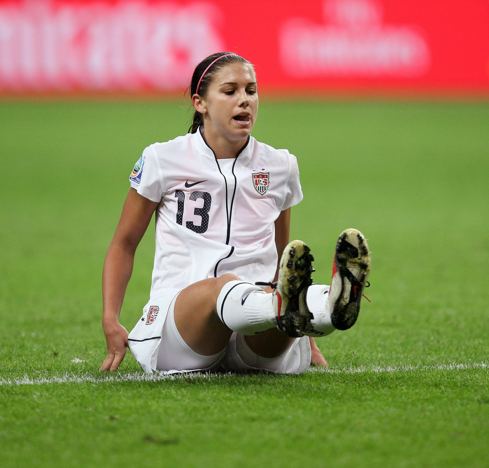 Alex Morgan Usa Football Player 2012 New Sports Stars