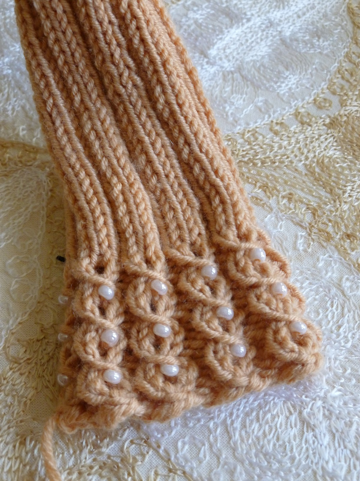 Lilly My Cat: Beaded Knitted Wrist Warmers - Hand Warmers