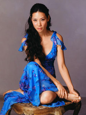 Lucy Alexis Liu vestido fashion