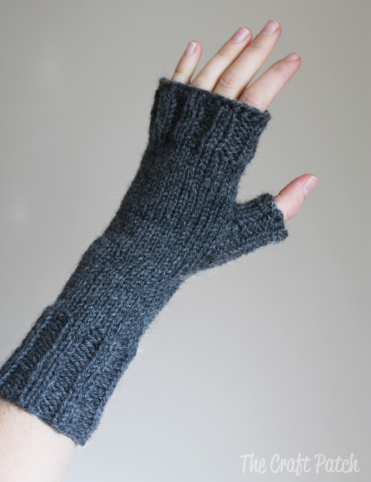 Knitted Fingerless Gloves - thecraftpatchblog.com