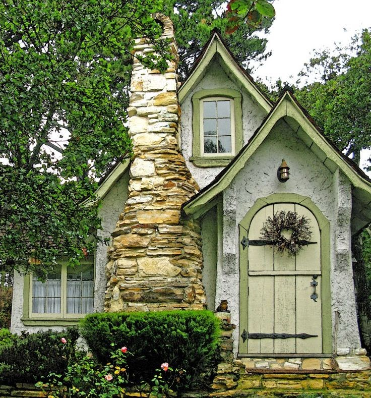 Small Cottage Home Decor: C.B.I.D. HOME DECOR And DESIGN: FAIRY TALE LIVING