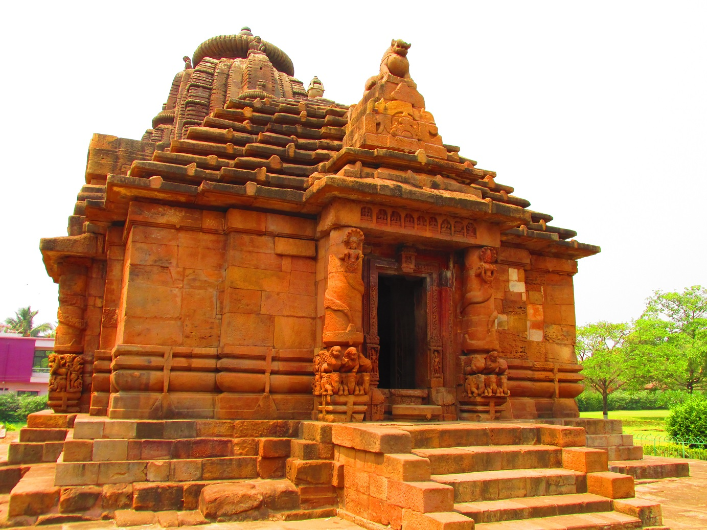 temple city bhubaneswar Bhubaneswar the capital city of indian state odisha (orissa) is also popular with  the name temple city odisha because here at this geographical location.