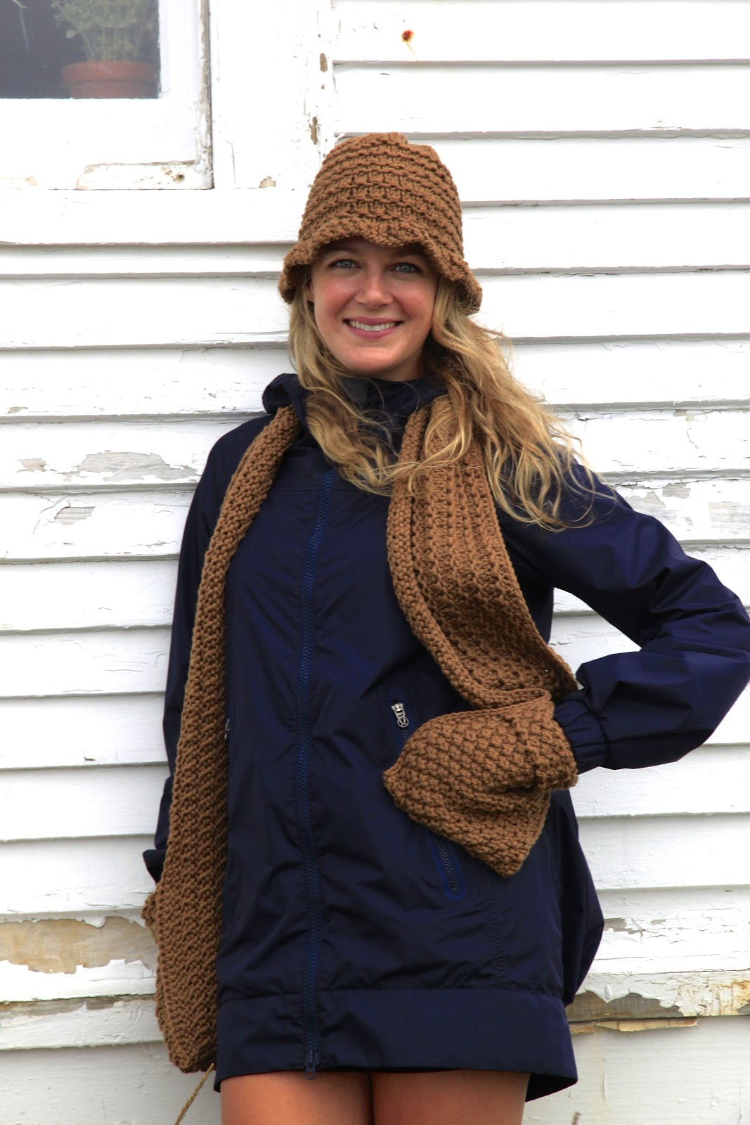 Knitting Patterns Scarves With Pockets : Rockin Knits: Is That a Scarf With Pockets, Ellen?!