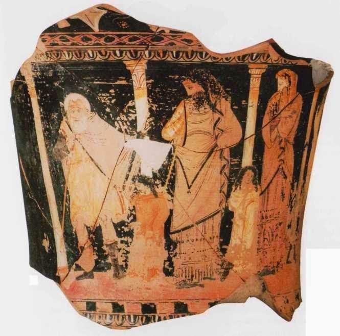 """Οιδίποδας-αγγελιαφόρος.Τμήμα ερυθρόμορφου σικελικού κρατήρα που αποδίδεται στον Ζωγράφο του Capodarso, περίπου 350-325 π.Χ. Βρέθηκε στη Νεκρόπολη του """"Κήπου της Ισπανίας"""". Η εικονογράφηση του αγγείου αποδίδει τη σκηνική παρουσίαση του έργου του Σοφοκλή """"Οιδίπους Τύραννος"""". Ο Οιδίποδας απορεί πιάνοντας τη γενειάδα του καθώς ακούει τον αγγελιαφόρο να του ανακοινώνει το θάνατο του Πόλυβου. Δεξιά η Ιοκάστη και χαμηλά η Αντιγόνη με την Ισμήνη."""