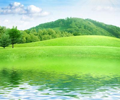 Río de aguas claras pasando junto a los campos verdes - summer-landscape-with-river-and-blue-sky