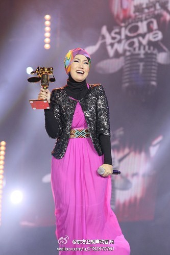 Shila Amzah Juara Asian Wave 2012, shila amzah bertudung, asian wave 2012, shila amzah asian wave