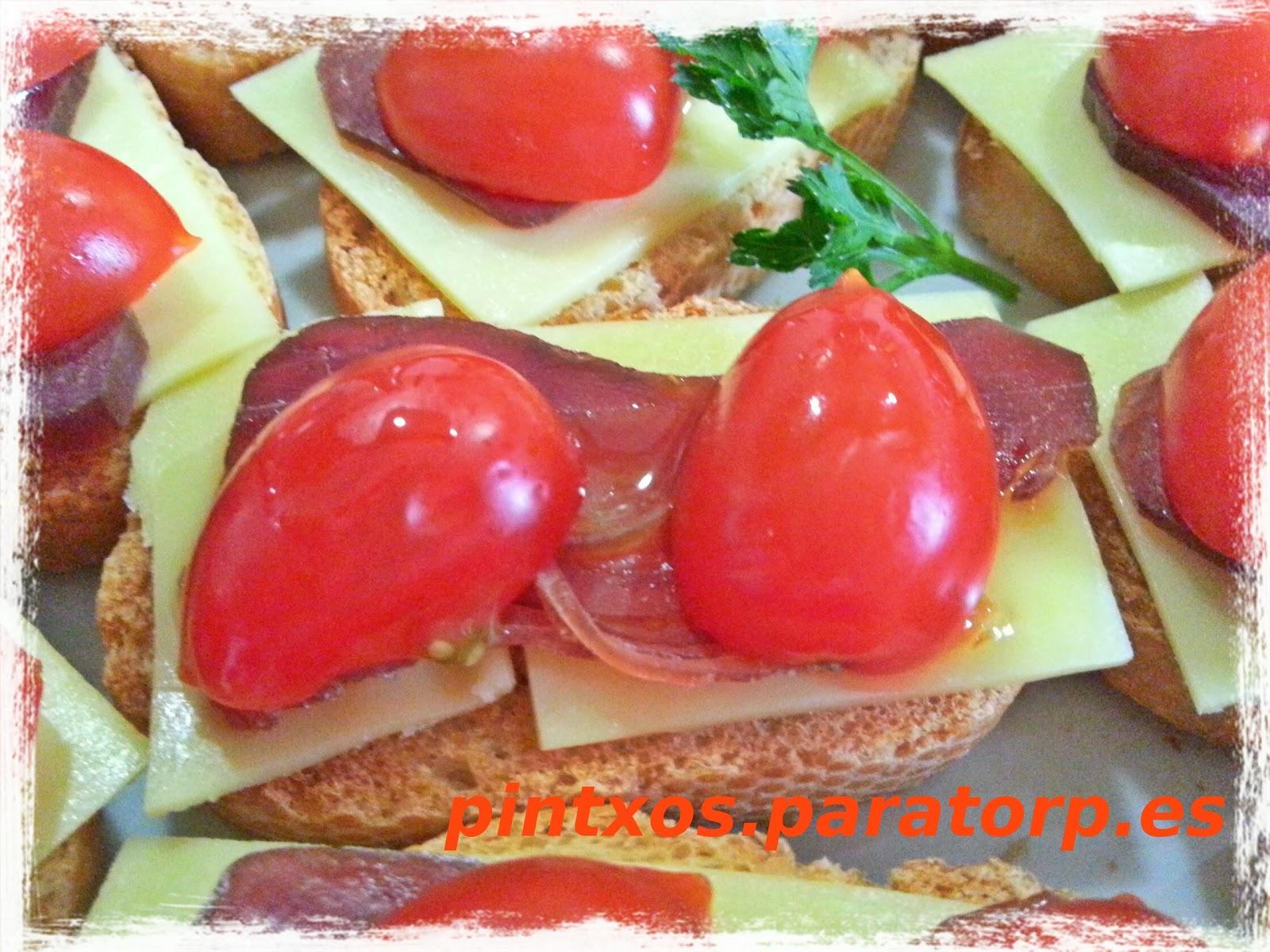 tapas de tomate con queso